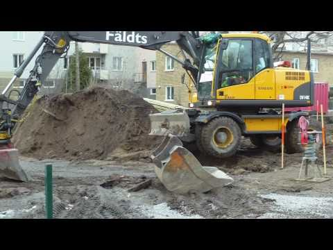 Volvo EW140C with a very skilled operator