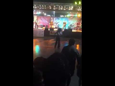 Negrita bailando cumbia black girl/tranny dancing cumbia