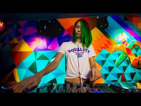 Miss Monique Live Radio Intense 11.07.2018 Progressive House Mix