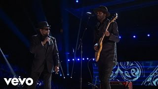 Gary Clark Jr. / William Bell - Born Under a Bad Sign (LIVE from the 59th GRAMMYs)
