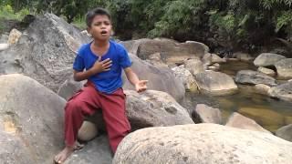 Menyanyi lagu Aceh_Rozali_SDN 25 Sawang, Aceh Utara