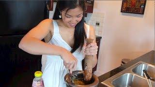 Green Papaya Salad (old version) - Hot Thai Kitchen!