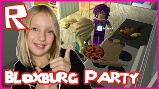 Party At Ronald's House in Bloxburg / Roblox