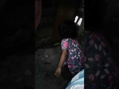 Xxx Mp4 Choti Bachhi Pe Jhaadu Lagva Rahe He 😓😓😓😓 3gp Sex