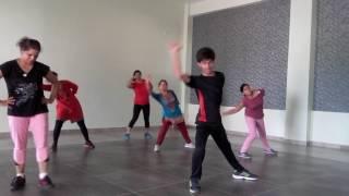 Easy Zumba Dance on Cham Cham by yo yo rocky singh