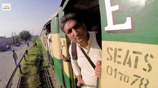 Pakistani Train - Jhelum Railway Station | 4K video