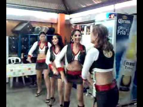 Bailarinas en Marisqueria el Dulcito Tuxtla gutierrez