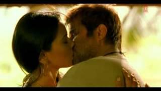 sameera reddy hot kissing scene