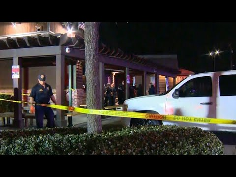 Xxx Mp4 Four People Shot By A Masked Suspect Outside A Popular San Antonio Steakhouse 3gp Sex
