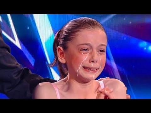 Xxx Mp4 Simon Cowell Broke This Little Girls Heart During The Finals 3gp Sex