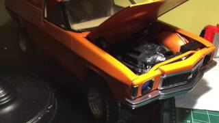 Testing the remote hood popper and the pulley system on my Holden HX Sandman Panelvan