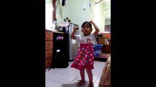 Just dance gummy bear - hana tisha