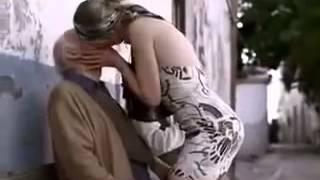 Loira Gostosa Beijando Belinho