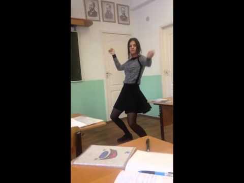 Russian 2016 - Cute Girl Dancing In School (Sweet Video)