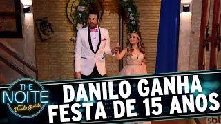 Larissa Manoela faz festa de debutante para Danilo Gentili | The Noite (21/06/17)