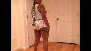 Ayisha Diaz twerking on Istagram