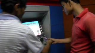 ATM থেকে কিভাবে টাকা উত্তলন করবেন, শিখে নিন