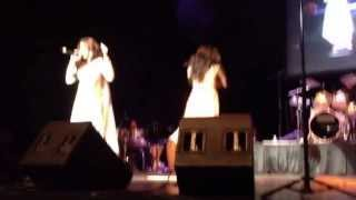 Dancing on Stage with Shreya Ghoshal