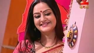 Hot Bengali Contestant Navel in Saree  2