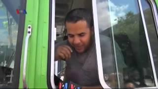 Truk Makanan Halal - Liputan Ramadan VOA 10 Juli 2014