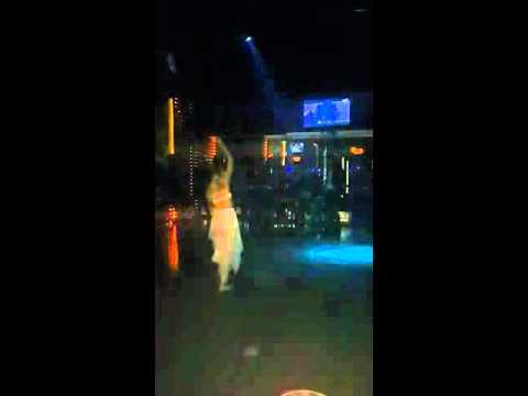 Merve Sultan Solo show Bar19 salsa night