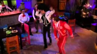Que bonito amor - Fernando  golpea a Coloso