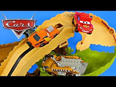 CARS Radiator Springs 500 1 2 Off Road Rally Race Track Action Shifters Lightning Mcqueen Play Doh