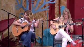 Pé de Cedro, por Laura Rocha e Adriana Farias