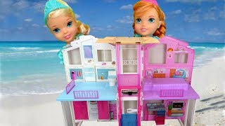 BEACH HOUSE ! Elsa & Anna toddlers visit Barbie's Ocean Home - Wave takes little Anna - Water fun