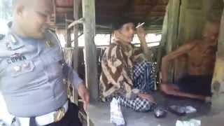 Indahnya berbagi walaupun cuma nasi #Polisi_Peduli_Sosial Padang Pariaman