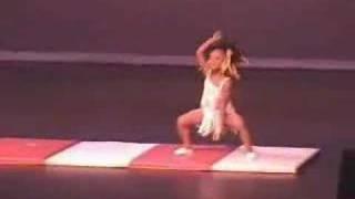 Ridiculously flexible little girl