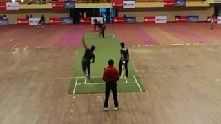 Shakib Al Hasan voktoder sathe cricket khellen Mirpur indoor stadium a