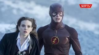 La bella actriz de Flash que visita Chile para la Comic Con