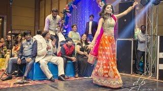 Indian Wedding Dance Performance: Chunnari Chunnari, Channe Ke Khet, Banno