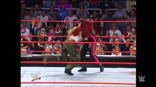 Lita vs Trish Stratus - Women's Championship Match: Raw, December 6, 2004