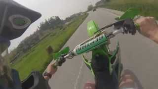 Kawasaki KX 250 Road Wheelies - Márcio