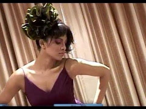 Priyanka Chopras | Hot video of photo shoot for Filmfare