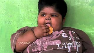 Indian man decides to sell kidney to save his obese children