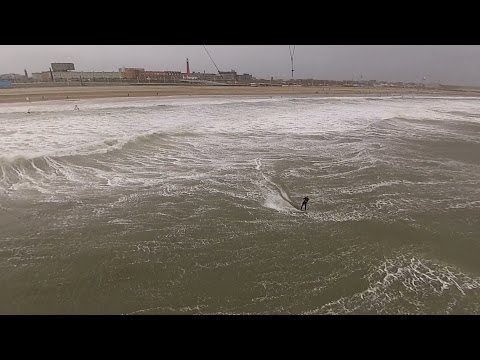 Kitesurfing Scheveningen during November Storm