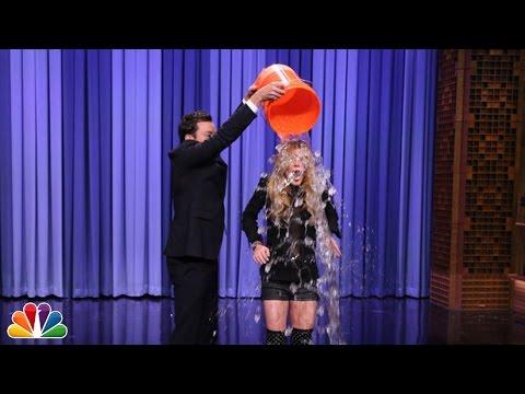 Xxx Mp4 Suggestion Box Lindsay Lohan Takes The ALS Ice Bucket Challenge 3gp Sex