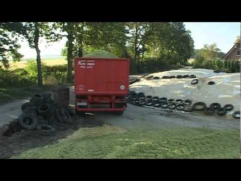 Krampe Kipper TWK 16 mit Fendt 415 Vario beim Mais Häckseln mit Claas Jaguar 690