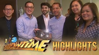 It's Showtime: ABS-CBN Entertainment YouTube channel receives the Diamond Creator Award