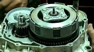 Armado de un motor 125cc de 5 velocidades.mkv