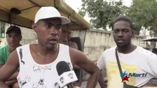 Nuevas medidas del gobierno cubano frenan espíritu emprendedor de bicitaxistas