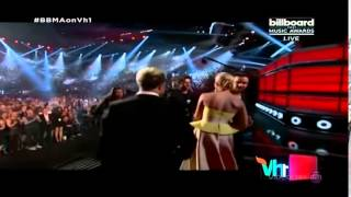 One Direction Wins Top Touring Artist Billboard Music Awards 2015   YouTube