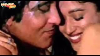 Madhuri Dixit & Vinod Khanna's INTIMATE Scene In Dayavan