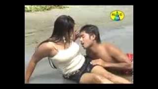 bangla sexy song matha noshto......