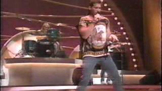 Billy Ray Cyrus - Achy Breaky Heart (LIVE)