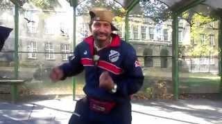 Cigan tancuje za 25 kč