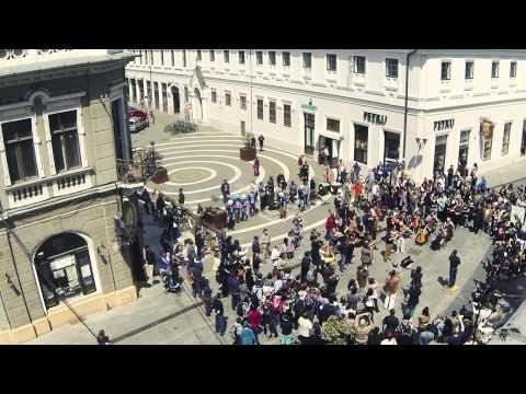 Flashmob Oradea Carmina Burana 5 MINUTE PENTRU ORADEA 06.05.2014